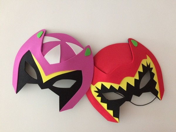 Lembrancinhas mascaras power rangers dino charge são confeccionado