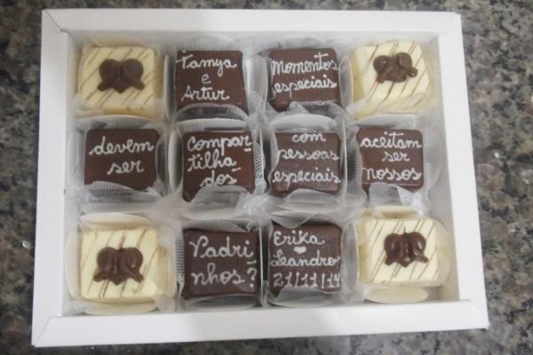 4 ideias de convites para padrinhos que quem ama chocolate não