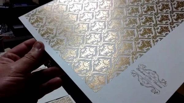 Como imprimir com tinta vinílica dourada