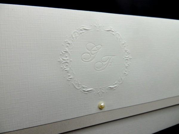 50 envelopes convites casamento brasão pérola e forro aspen