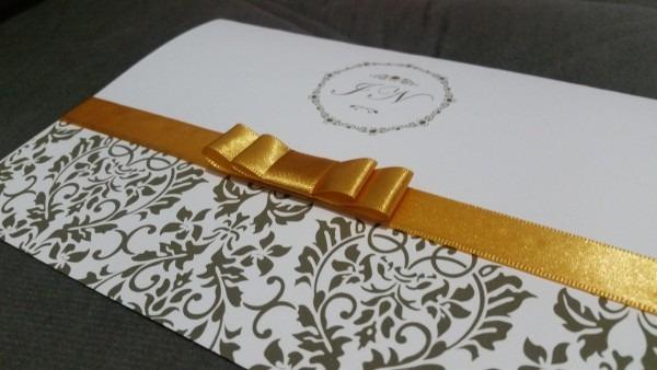 Convite casamento brasão fita cetim no elo7