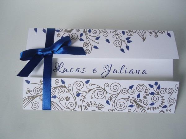 Convite de casamento floral azul royal no elo7
