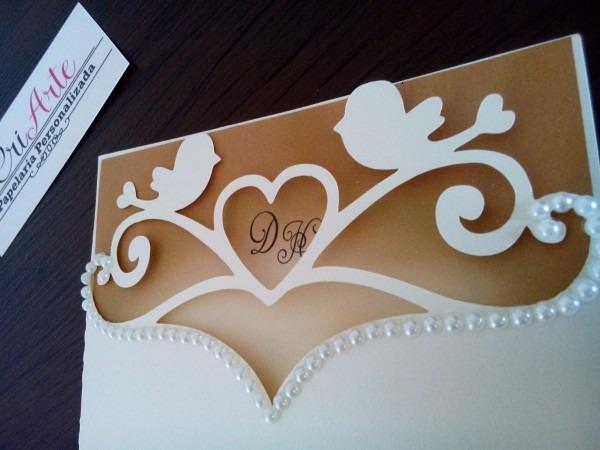 Convite de casamento rendado com perolas