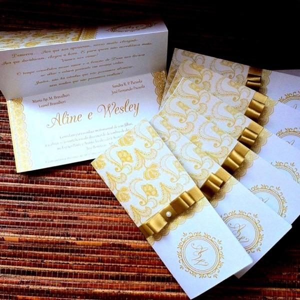 Surpreendente de fotos convite casamento dourado no elo7 plumagem