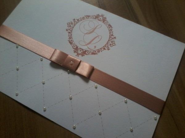 Convite de casamento rosê nude rosa chá com pérolas no elo7