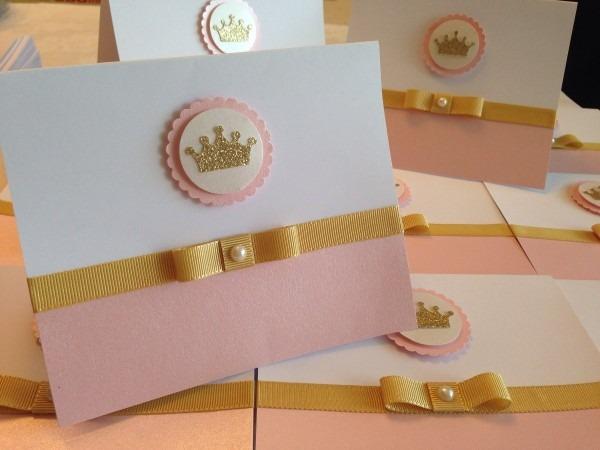 35und convite reinado rosa liso com coroa dourada