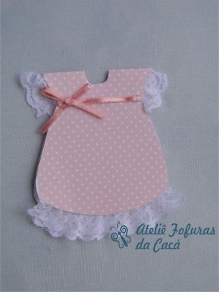 Convite em papel rosa bebe em poá ,e fita de cetim  os dizeres de