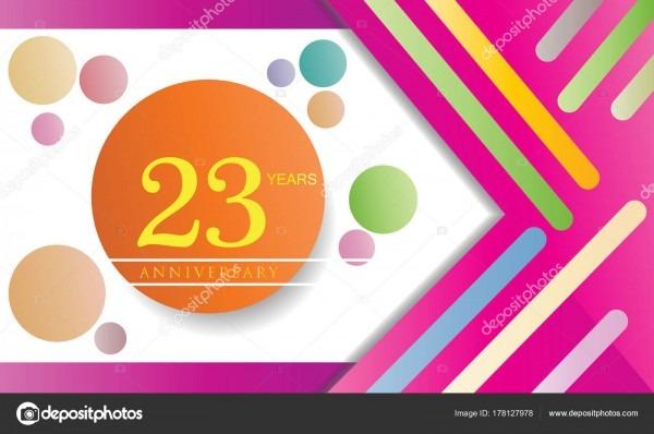 Logotipo comemoração aniversário anos design plano isolado fundo