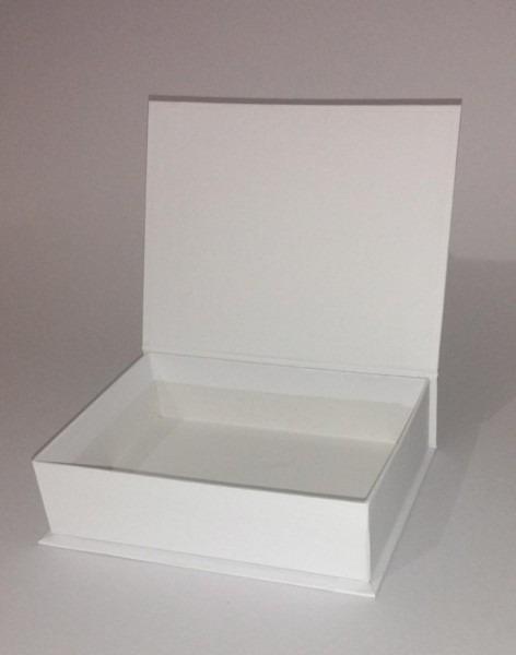 Caixa convite em cartonagem 20x15x5 kit com 5 caixas