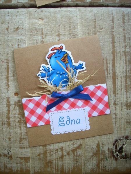 Convite em scrapbook, galinha pintadinha