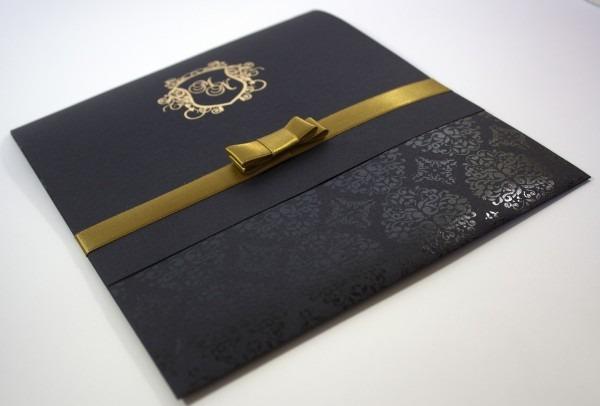 Convite darck   preto e dourado no elo7
