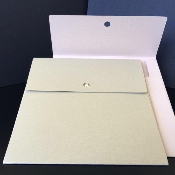 Envelope quadrado 15x15 com cristal swarovski