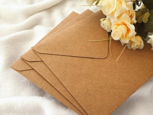 Envelope bico quadrado 15x15 kraft 240g 35 un no elo7