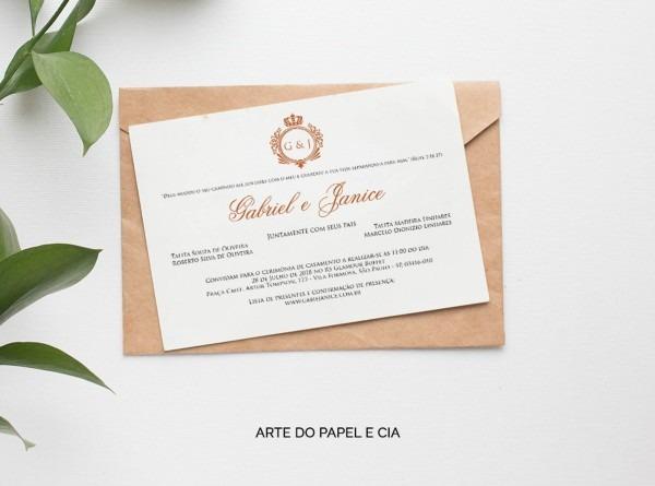 A229  convite de casamento clássico com detalhes dourados no elo7