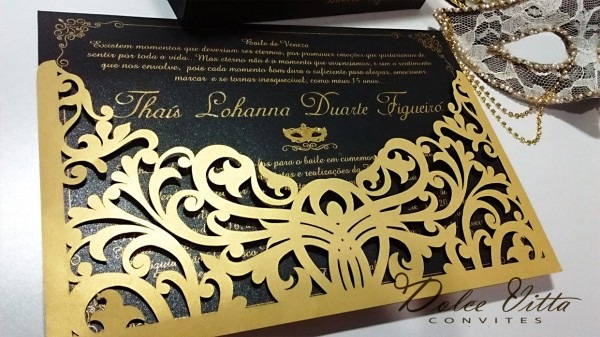 Novo modelo para baile máscaras nas cores dourado com preto