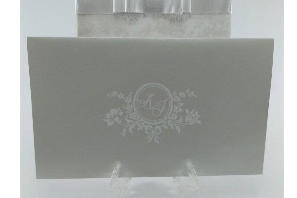 Convite de casamento imperial perolado marfim no elo7