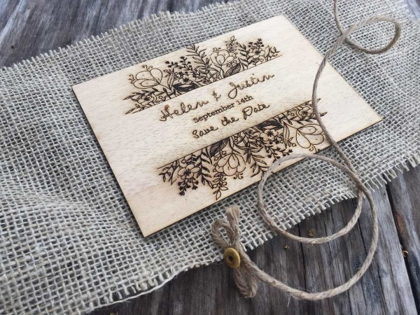 Convite de casamento personalizado madeira nobre com juta