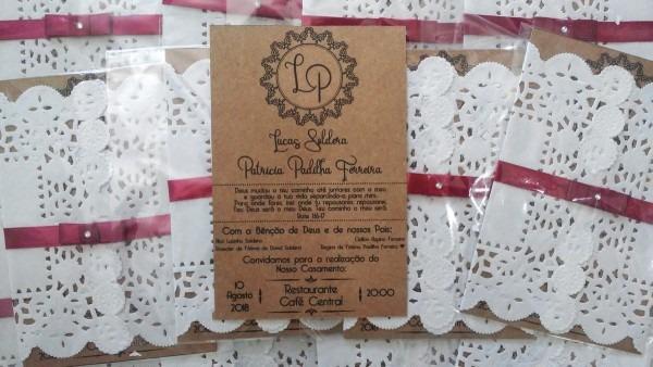 Convite de casamento rústico com papel rendado doilie no elo7