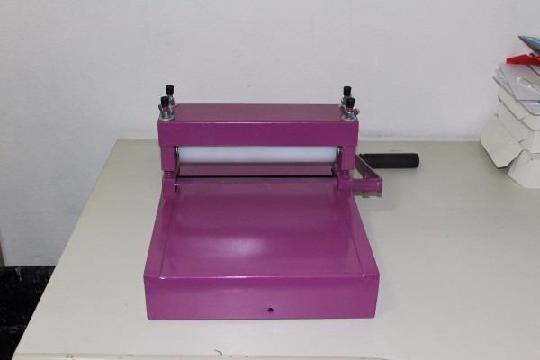 Máquina de corte e vinco