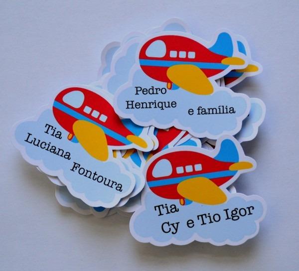 Tag avião com nome dos convidados no elo7